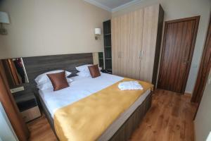 Infinity Plaza Hotel, Отели  Атырау - big - 20