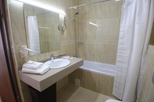 Infinity Plaza Hotel, Szállodák  Atirau - big - 50
