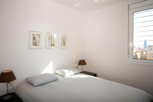 Deluxe One-Bedroom Apartment with Terrace