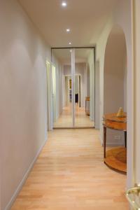 Schubert Flat, Апартаменты  Флоренция - big - 16