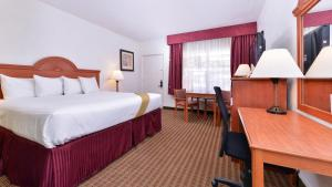 Magnuson Hotel and Suites Alamogordo, Hotels  Alamogordo - big - 13