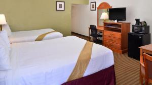 Magnuson Hotel and Suites Alamogordo, Hotely  Alamogordo - big - 61