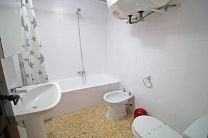 Holiday Apartment El Álamo, Apartments  Calpe - big - 17