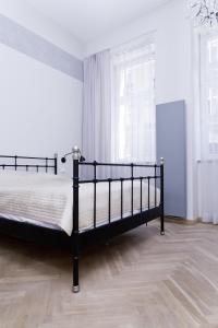 Light Rooms Apartment, Apartments  Kraków - big - 112