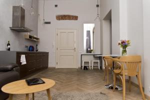 Light Rooms Apartment, Apartments  Kraków - big - 120