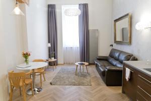Light Rooms Apartment, Apartments  Kraków - big - 125