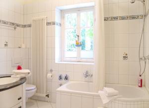 Haus Hubertus, Ferienwohnungen  Ostseebad Boltenhagen - big - 32