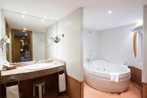 SOMMOS Hotel Benasque Spa, Отели  Бенаске - big - 13