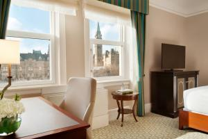 Queen Room with View