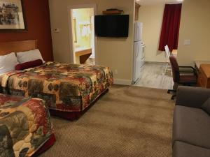 Sahara Suites