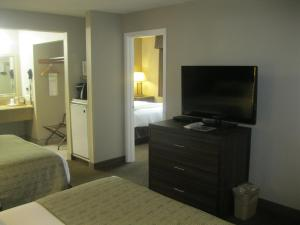 Two Room Suite with Three Queen Beds