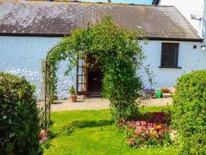 Coed y Gelli, Usk, Holiday homes  Llanddewi Rhydderch - big - 17