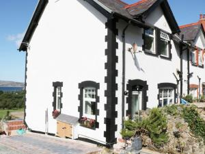 1 Cae Glas Crescent, Penmaenmawr, Dovolenkové domy  Penmaen-mawr - big - 10