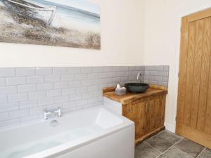 1 Cae Glas Crescent, Penmaenmawr, Dovolenkové domy  Penmaen-mawr - big - 13