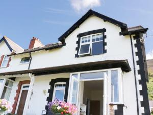 1 Cae Glas Crescent, Penmaenmawr, Dovolenkové domy  Penmaen-mawr - big - 18