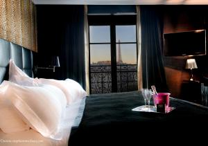 Suite with Eiffel Tower View