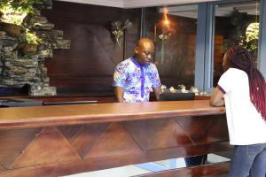 Bravia Hotel Lome, Szállodák  Lomé - big - 37