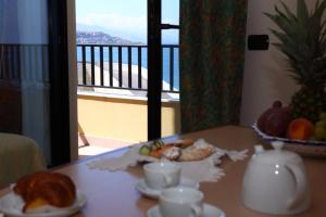Hotel Za Maria, Hotel  Santo Stefano di Camastra - big - 55