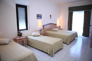Hotel Za Maria, Hotel  Santo Stefano di Camastra - big - 48