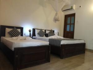 Отель Isanka Lion Lodge, Сигирия