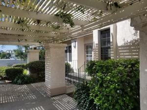 Upscale Designer Condo Condo, Apartments  Huntington Beach - big - 11