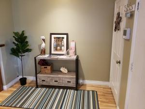 Upscale Designer Condo Condo, Apartments  Huntington Beach - big - 18