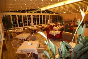 Hotel Boutique Restaurant Gloria, Szállodák  Tirana - big - 64