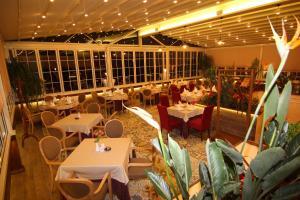 Hotel Boutique Restaurant Gloria, Hotels  Tirana - big - 64