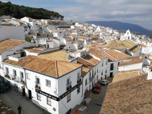 El duende del tejar, Penziony  El Gastor - big - 1