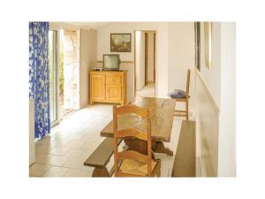 Three-Bedroom Holiday Home in Catelnaud de Grateca., Ferienhäuser  Soubirous - big - 6