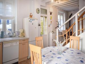 Holiday Home in Saint Cast le Guildo, Dovolenkové domy  Saint-Cast-le-Guildo - big - 31
