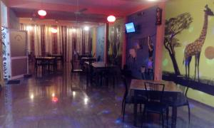Downtown hotel-restaurant&pub, Hotely  Anuradhapura - big - 21