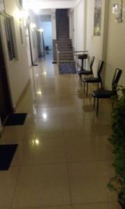 Downtown hotel-restaurant&pub, Hotel  Anuradhapura - big - 4