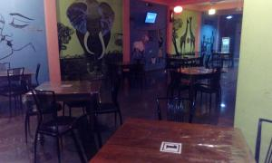 Downtown hotel-restaurant&pub, Hotely  Anuradhapura - big - 23
