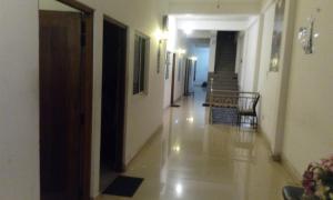Downtown hotel-restaurant&pub, Hotel  Anuradhapura - big - 9