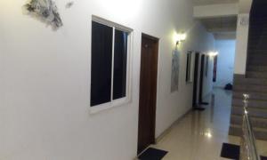 Downtown hotel-restaurant&pub, Hotel  Anuradhapura - big - 11