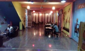 Downtown hotel-restaurant&pub, Hotely  Anuradhapura - big - 12