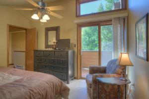 Needles Condo 3 Minutes from Purgatory Resort. 25 Minutes from Downatown Durango, Apartments  Durango - big - 4
