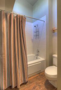 Needles Condo 3 Minutes from Purgatory Resort. 25 Minutes from Downatown Durango, Apartments  Durango - big - 14