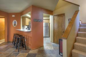 Needles Condo 3 Minutes from Purgatory Resort. 25 Minutes from Downatown Durango, Apartments  Durango - big - 25