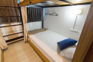 Bed in 4-Bed Mixed Dormitory Room - Samui