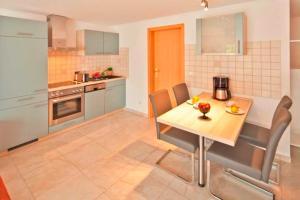 Ferienwohnung _haus_ Whg_ 02 Garte, Appartamenti  Bansin - big - 4