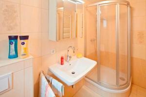 Ferienwohnung _haus_ Whg_ 02 Garte, Appartamenti  Bansin - big - 2