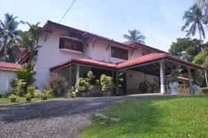 Grand Black Pearl Villa