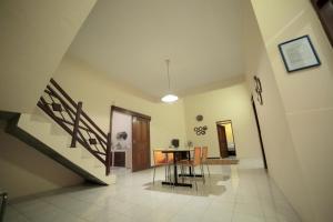 D'java Homestay Monjali, Holiday homes  Yogyakarta - big - 16