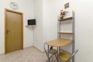 Apartments Vinko, Apartmány  Brodarica - big - 23