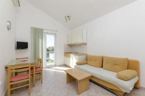 Apartments Vinko, Apartmány  Brodarica - big - 30
