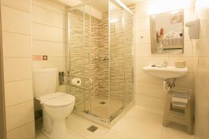 Hotel Life, Hotely  Herakleion - big - 23