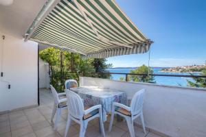 Apartments Dane, Apartmanok  Trogir - big - 16