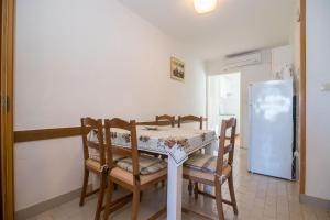 Apartments Dane, Apartmanok  Trogir - big - 28